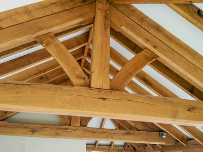 Oak Trusses In Garden Room